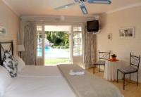 twin room - pool - Van der Stel