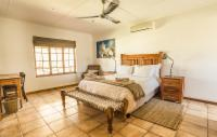 KAREEBOOM (House - 8 beds)