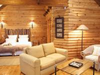 B & B Chalet / Wooden Log Cabin