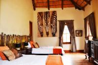 Zebra Lodge - Family Room