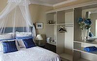 4. Blue Room