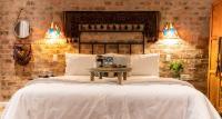 Luxury Queen Room 6