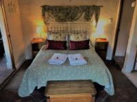 Chenin Blanc Cottage Room 1