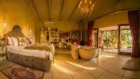 Bella Rose Honeymoon Suite
