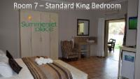 Room 7 - King Bed