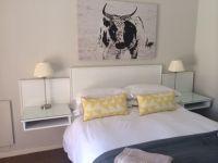 Deluxe Room Queen Bed + Single  bed