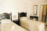 Room 20 (3 x single bed)