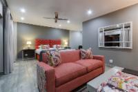 Flamboyant Suite