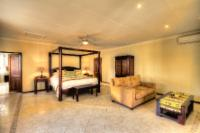 Macadamia Family Suite
