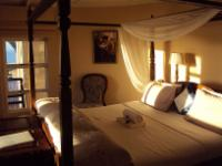 Double Room with Poster Bed - Kingfisher