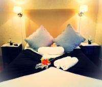 En-suite with Bath / shower