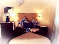 3 Pax Bedroom