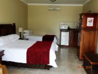 Queen Family Room (3)