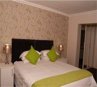 R8 Self catering Room
