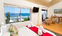 Room 13 - 1st Floor Sea View Suite