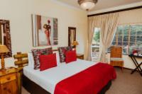 Crimsons Boubou Room