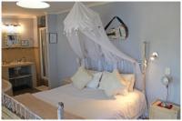 Semi-Lux Room no: 11