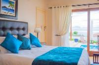 Luxury Double Room with Sea View patio
