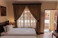 Twin Bedrooms - Air-con - Shower