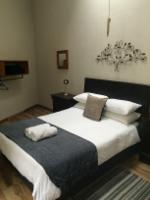 Double Bed Shared Bathroom
