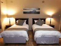 5B Self Catering Room with 2 x 3/4 beds