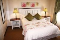 Self-Catering/B&B Suite (Queen)