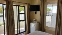 Room 3 - Standard Queen suite