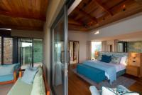 Luxury Suite with En-Suite Fynbos