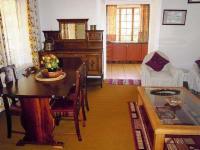 Jacaranda Family Room
