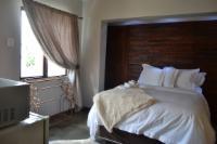Dara Room 15
