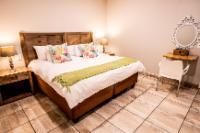 Luxury Family Suites- 4 Sleeper Unit