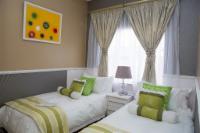 Luxury Green Room