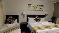 Standard - King Beds + single