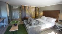 Luxury Garden Suite 7