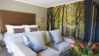 Luxury Garden Suite 4