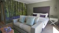 Luxury Garden Suite 6