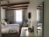 Standard Twin beds +1 Single bed