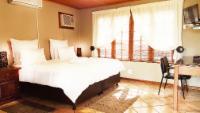 Luxury Twin Room (King)
