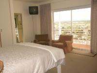 4-Queen Room - View of Zandvlei