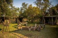 Buffalo Thorn / Wag-'n-Bietjie- 8 Man Tent Camp
