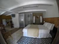 Room 3 - Twin/Queen Room