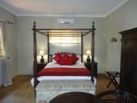 Self-catering Honeymoon Suite
