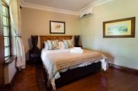Deluxe Queen Room Kariba
