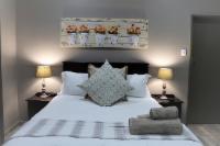 Room 1 - (Queensize bed)