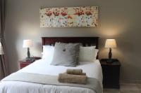 Room 2  (Queensize bed)