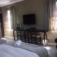 Room 7 Deluxe King Suite