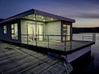 Serenity Houseboat 6 Sleeper