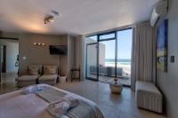 Beach Suite West