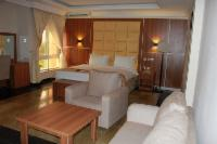 Business Royal Room