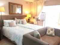 Luxury Bachelor Suite (Palm)